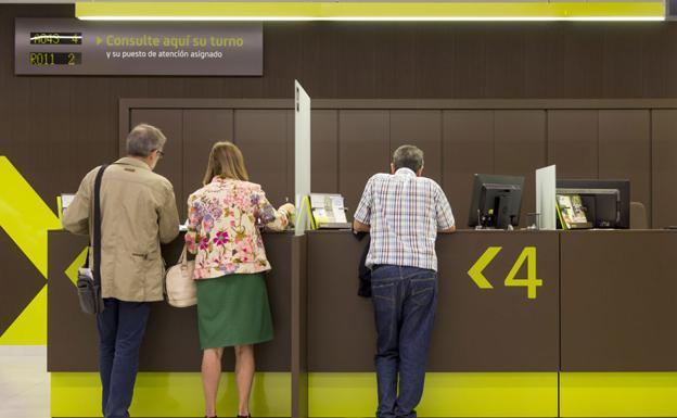 El capital de las cuentas de ahorro supera por primera vez for Oficinas de bankia en murcia