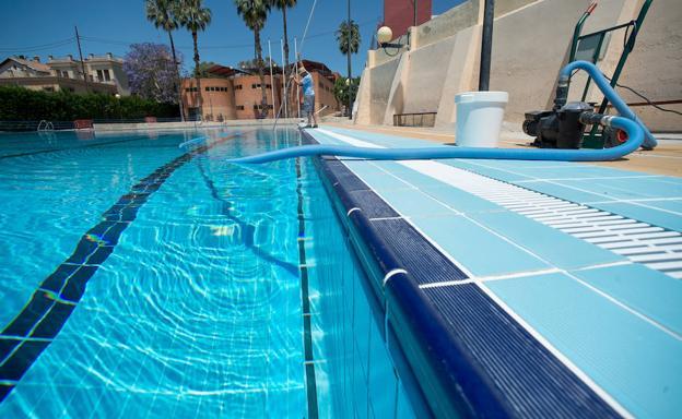 Ya hay fecha de apertura horarios y precios de las for Horario piscina alaquas