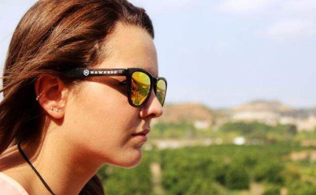 ea3a416cc4 Hawkers entra en el mercado de las gafas graduadas y da el salto a la  tienda física