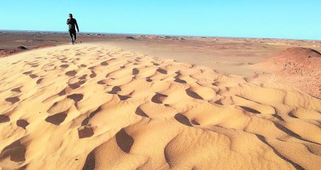 Huertanos En Las Dunas Del Sáhara La Verdad