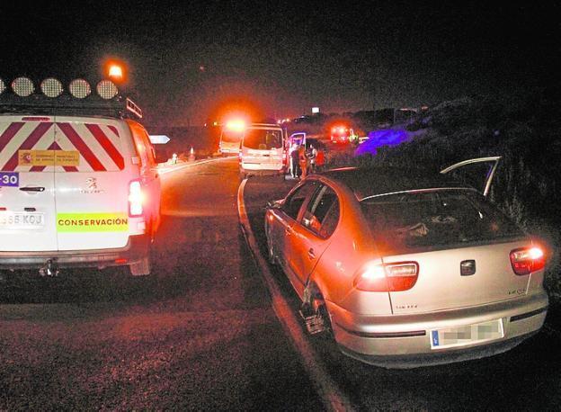 d9921b78e Muere en La Arrixaca el bebé herido en el choque cerca de Los Camachos. Uno  de los coches afectados por ...
