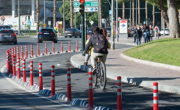 Los ciclistas de Murcia solo podrán ir por la calzada o los ...