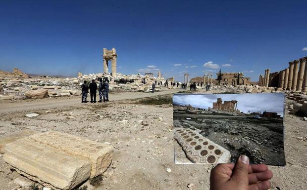 Palmira, tras el paso del Estado Islámico y en una imagen anterior.