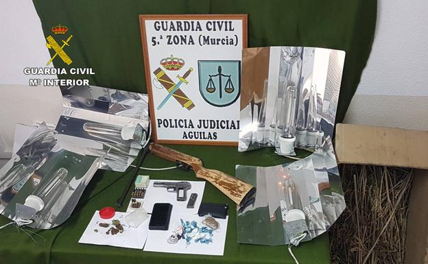 Material incautado por la Guardia Civil./LV