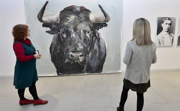 Presentación de la exposición 'Curiosidades de Miguel Hernández', durante la mañana de este jueves.