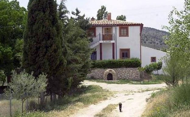Imagen de archivo de una casa rural de Moratalla. /LV
