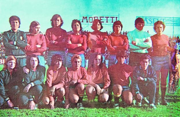 Spanish women's soccer team, in 1971.