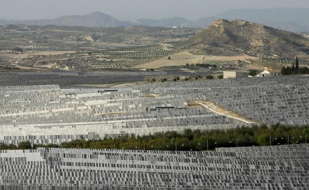 Photovoltaic power plant in the Murcian district of Barqueros.
