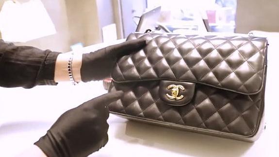 af5fbd26a1140 Cómo saber si este Chanel es falso