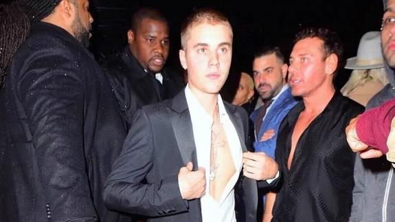 f98aee9724 Justin Bieber se cuela en la pasarela de la Milan Fashion Week   La ...